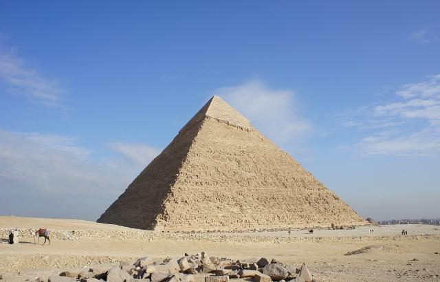 リラ文明の名残のあるピラミッド